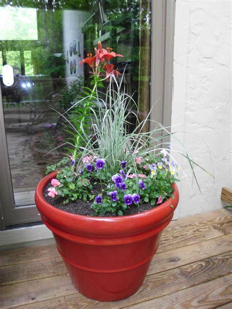 big flower pot arrangements 8 best images about flower arrangements on pinterest large windows large flower arrangements