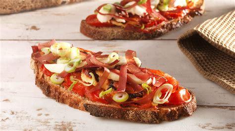 recette cuisine provencale recette de la tartine provençale au reblochon et jambon de savoie recettes entre amis