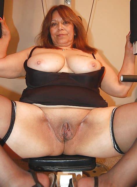 Hot Latina Mature Pussy 12 Pics