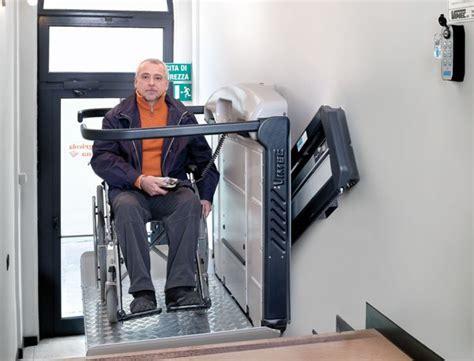 si鑒e monte escalier plateforme monte escalier pour fauteuil roulant 28 images plateforme monte escalier ext 233 rieur plateforme monte escalier pour fauteuil