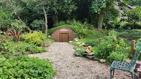 tuin boerderij boerderijtuin met aardappelkelder bladgoud tuinen
