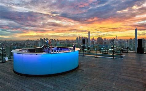 rooftop bars   years party complete list