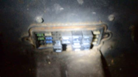 Panel Fuse Box Diagram Bobcat 753 by Bobcat S185 Fuse And Relay Box Location