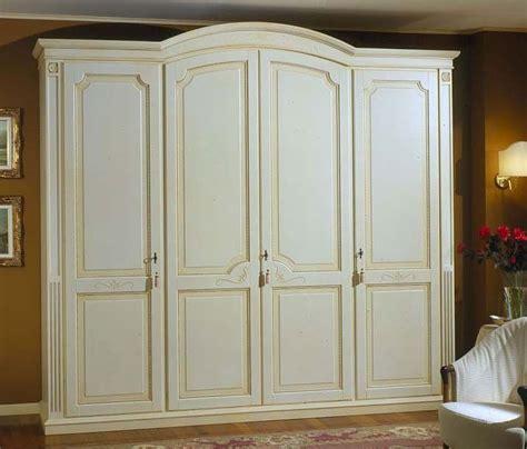 Wooden Wardrobes by Best 25 Wooden Wardrobe Ideas On Wooden