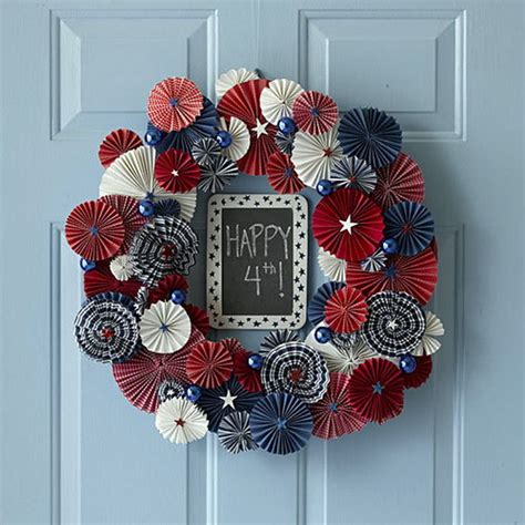 wreath usa   july day   patriotic door