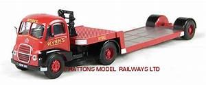 Modelbuszone - Base Toys D-44