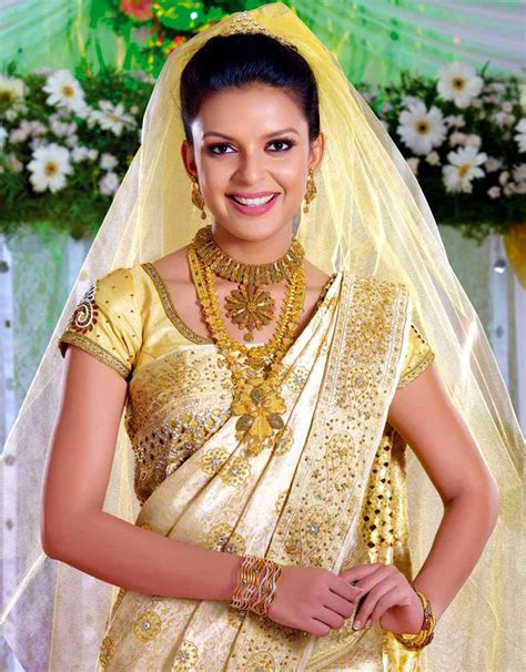 How To Choose An Indian Wedding Saree  Sarees Villa. Popular Gold Wedding Rings. Meaningful Engagement Wedding Rings. Marquis Rings. Dirt Bike Wedding Rings. Vaccaro Wedding Rings. Fairy Light Engagement Rings. Compassion Rings. Buttercup Engagement Rings