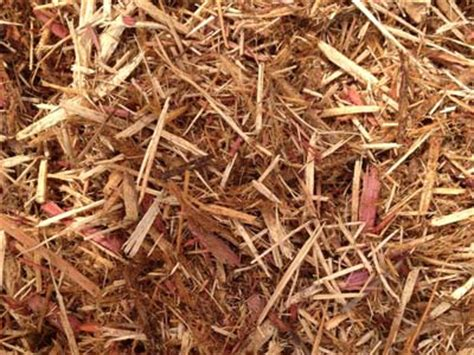 cedar vs hardwood mulch shredded red cedar mulch stillwater enterprises