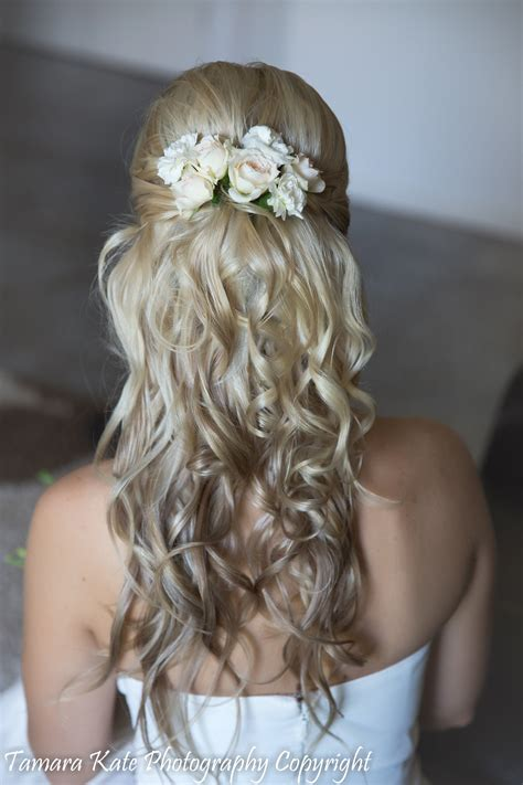 wedding hairstyles  brides  long hair hairstyle
