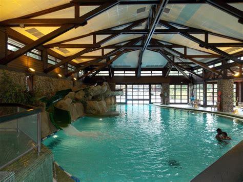 chambre golden forest hôtel disney disney 39 s sequoia lodge