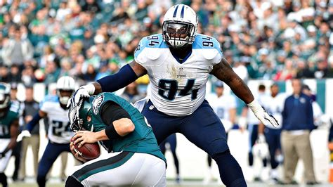 Report: Sammie Lee Hill taking free-agent visit with ...