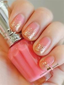 30 Beautiful Examples Of Gold Glitter Nail Polish Art