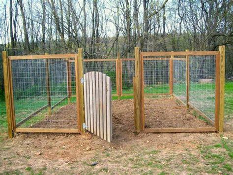hog wire fence design  ideas   backyard