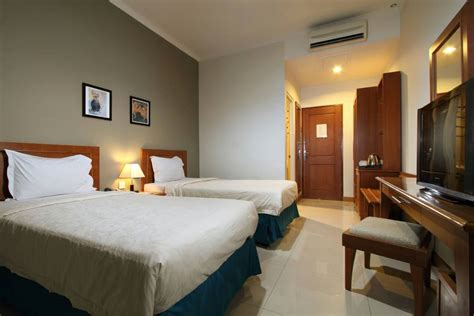 hotel emersia penginapan keluarga asyik dekat malioboro