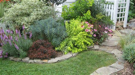 Gartenumrandung Aus Stein by Stack Wall Edging Garden Design Edging