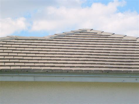 ta roof cleaning barrel and concrete tile roof