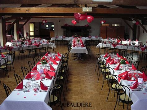 salle de la douane moudon le margot tables