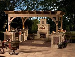 Holz Pergola Selber Bauen : grillkamin bauen diese tipps werden sie bei der planung ~ Lizthompson.info Haus und Dekorationen