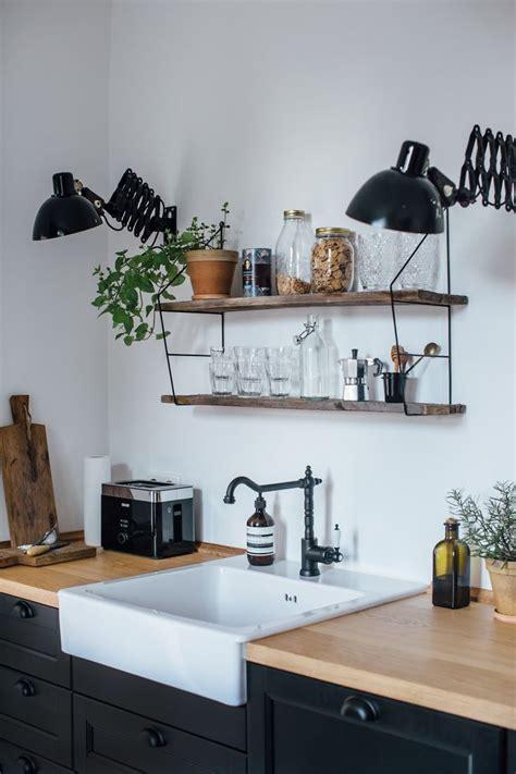 cuisine design prix top finition haut de gamme foyer au gaz plafonds pieds cuisine au with