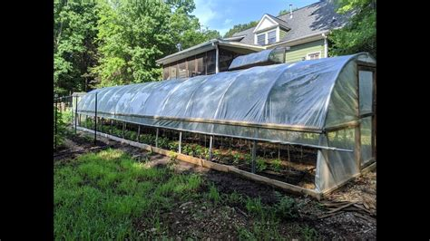 Perfect for those who don't have a lot of space to loose. DIY PVC GREENHOUSE - YouTube