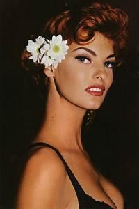 bohemea:80s-90s-supermodels: Linda Evangelista, circa ...