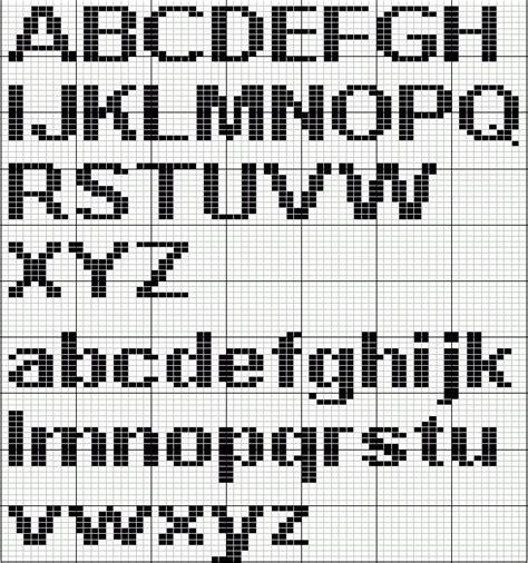 initialed scarf   crochet men  knit borduren alfabet borduren