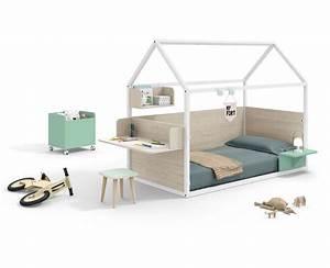 Lit Maison Enfant : chambre pour enfant avec lit maison montessori meubles ros ~ Farleysfitness.com Idées de Décoration