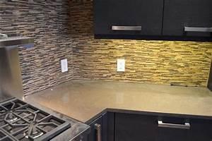 Stein Arbeitsplatte Küche : abeitsplatte k che stein sch ne gebrauchte m bel mit dekorative steinwand aabbeatv ~ Orissabook.com Haus und Dekorationen