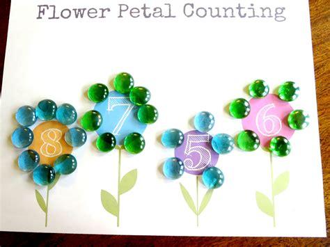 Plant Theme Preschool Math Flower Petal Counting (free Printable