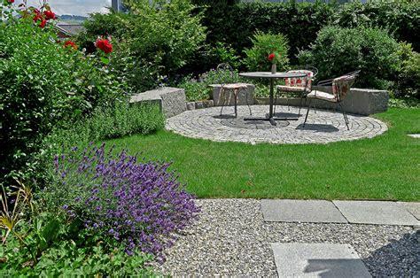 Sitzplatz Im Garten by Sitzplatz Garten Uberdachter Sitzplatz Im Garten
