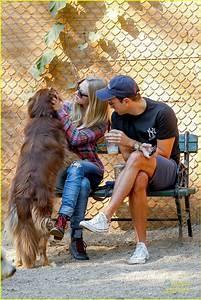 Amanda Seyfried: Dog Park with Finn!: Photo 2724521 ...