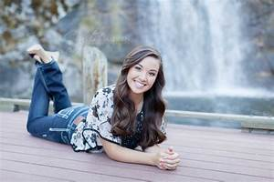 Shelby's High School Senior Pictures - Crystal Madsen Photography