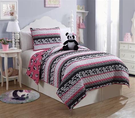 furry friends panda  piece quilt set