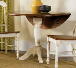 small dining room spaces with round pedestal dining table