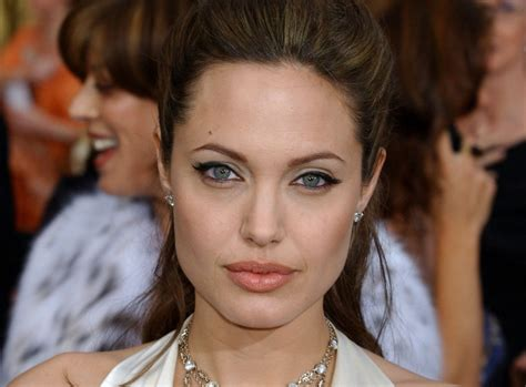 foto de This Lip Filler Technique Will Give You Angelina Jolie