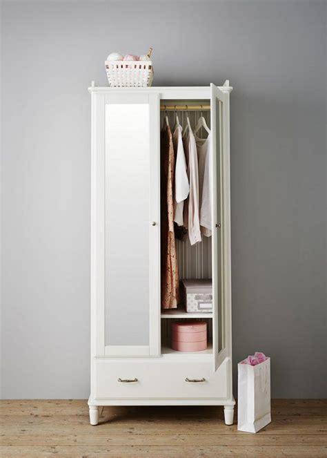 chambre pour nouveau marié armoire tyssedal ikea chambre 10 armoires déco pour
