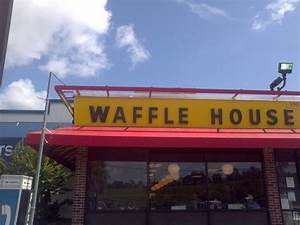 Fachada frontal - Picture of Waffle House, Kissimmee ...