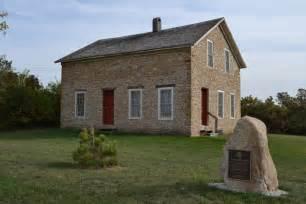 file leander reeve house rural hton iowa jpg wikimedia commons