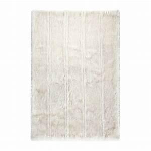 tapis blanc ligne pure feel fausse fourrure 255x350 With tapis ligne pure