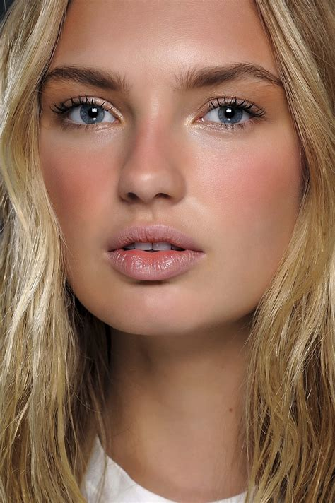 Autumnwinter Makeup Trends 20152016