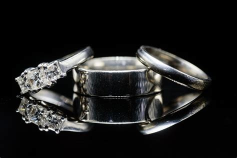 how to capture beautifully lit wedding ring photos with a
