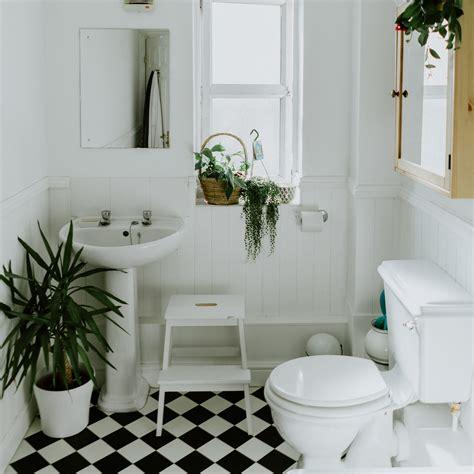 Desain ruang keluarga dan ruangan tamu minimalis ukuran 2x2. Model dan Ide Desain Kamar Mandi Minimalis Ukuran 2x2 Terbaru 2021 - NDekorRumah
