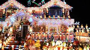 Whitestone family to compete for best Christmas lights on