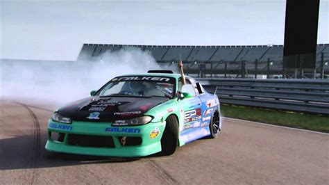 How To Drift - Fifth Gear - YouTube
