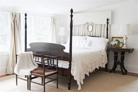 Modern Canopy Bed Decorating Ideas
