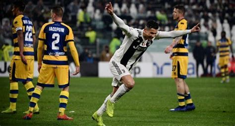 Twitter goes berserk as Cristiano Ronaldo becomes Serie A ...