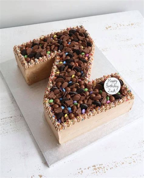 letter  number buttercream cakes alphabet cake cake lettering chocolate