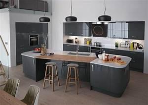 photo cuisine avec plan de travail moderne en 65 idees With idee deco cuisine avec table en pierre