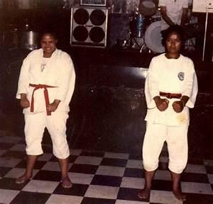 Demontra U00c7 U00c3o De Karate Em Londrina Parana