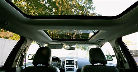 cars  moonroofs sunroofs  panoramic roofs